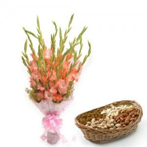 The Lady Love - Buy Flowers with Dry Fruits Online in India