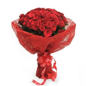 Roses In Jute Packing 50 Red Roses - Send Valentine Gifts for Him Online