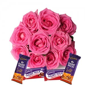 Blushing Roses - Flowers with Chocolate